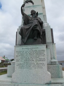 Monument érigé à Port Stanley.