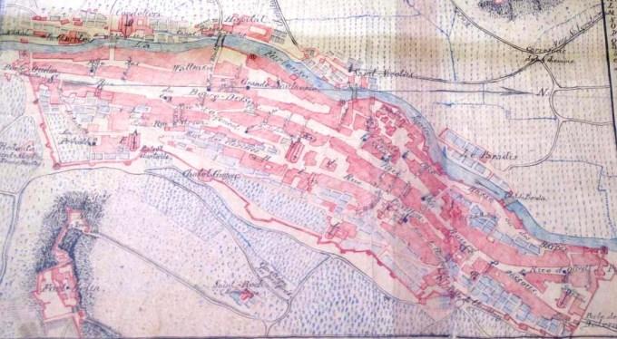 Représentation de Salins en 1750 par le Capitaine Pinault, fonds anciens de Salins.