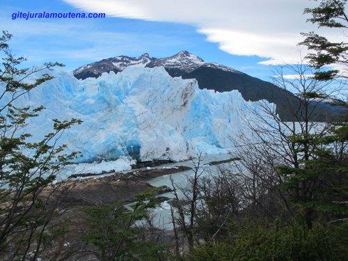 Argentine, glacier Perito Moreno par la Péninsule Magellan.
